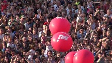 Le NRJ Music Tour qui a fait escale à Roubaix samedi 4 juillet a tenu toutes ses promesses, rassemblant plus de 18 000 personnes sur la Grand'Place dans une ambiance surchauffée !