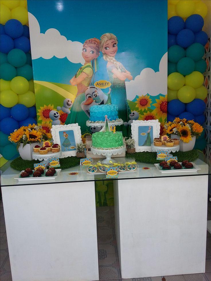 Montaje de nuestra mesa de dulces con los paneles y cajones de https://www.instagram.com/noelhc23/