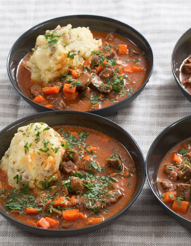 Chefs, the cooler weather is upon us—so for dinner tonight, we're filling our bowls with deliciously hearty beef stew. Our flavorful broth (simmered with spices, tomato and beef demi-glace, for exquisite richness) is brimming with beef and carrots, one of our favorite seasonal vegetables.
