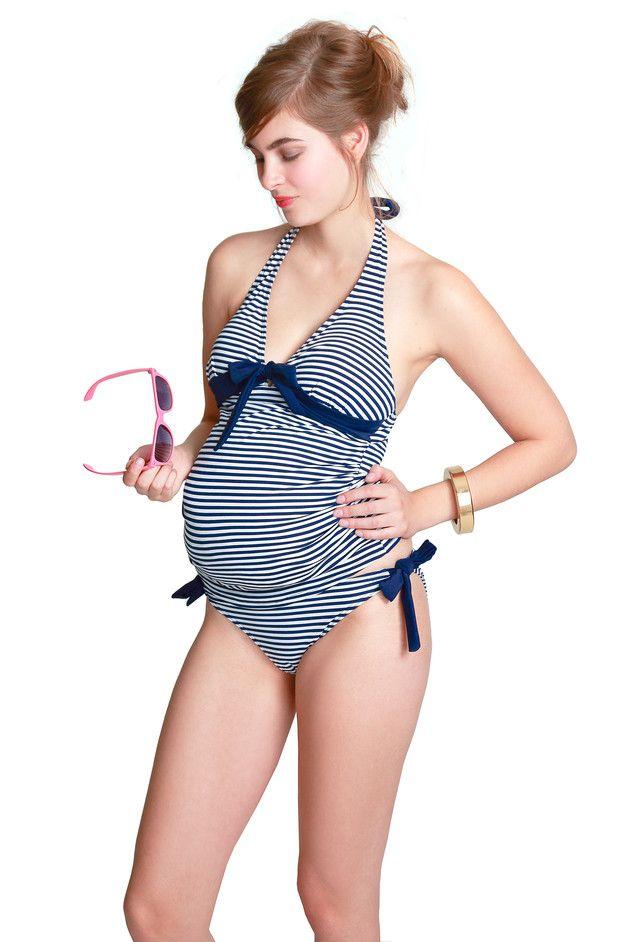 Maritimer Tankini, Badeanzug mit Streifen für werdende Mamas, Umstandsbademode für Schwangere / maritime swimsuit with stripes for pregnant women made by petit-amour-hh via DaWanda.com