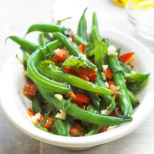 A great recipe especially if you need a side dish in a hurry. Green beans, red sweet pepper, garlic, basil, and mint, make a vibrant, yet tasty addition to your dinner table.