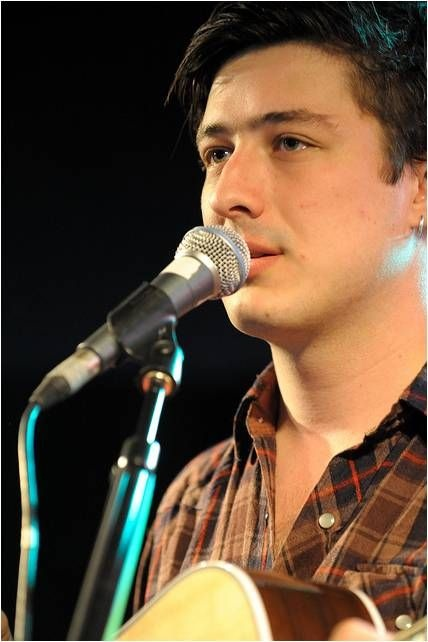 Marcus Mumford, his voice is just amazing!!!