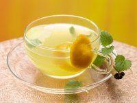 Melisse-Zimt-Tee  mit Orangensaft