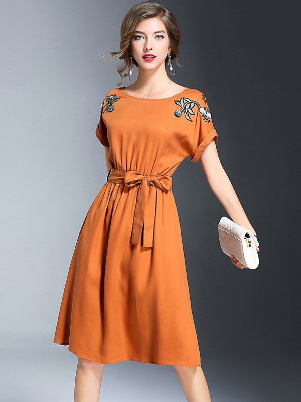 Chic O-Neck Short Sleeve Embroidery Bowknot Skater Dress from DressSure.com #dresssure #fashion #dresses #HighQuality