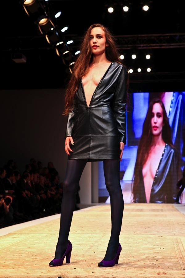 Istanbul Fashion Week 2012 / Atıl Kutoğlu - Elizabeth Jagger