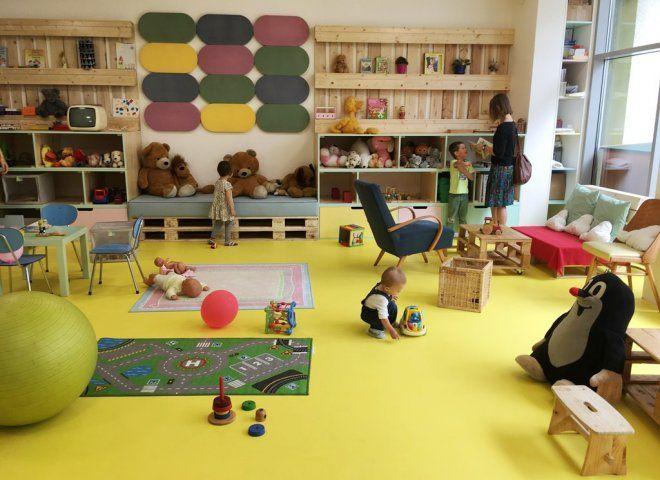 Králík v radiu KARLÍN Rodinná kavárna a restaurace maximálně vstřícná k dětem se skvělým jídlem, vkusnou hernou pro děti a dvorkem s králíky.