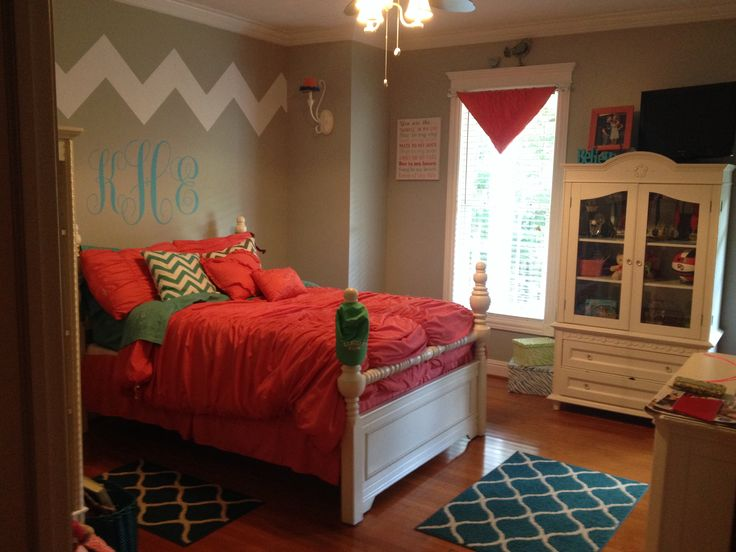 Love my daughters new bedroom chevron coral teal girls for Girly teenage bedroom designs
