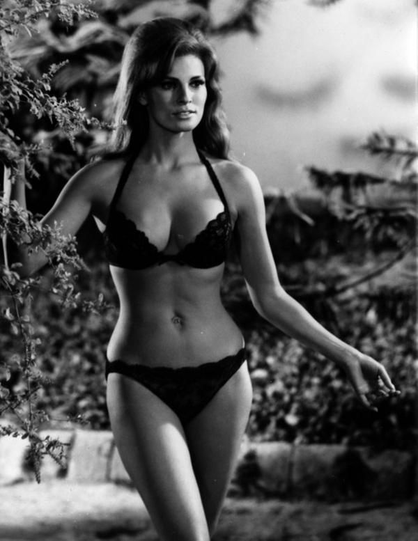 VintagePhotos on in 2019 | OnThisDay | Raquel welch ...