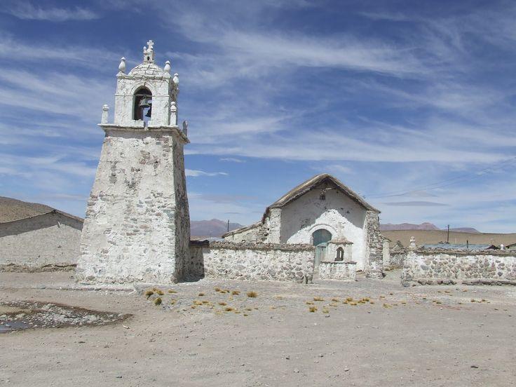 Pueblito al norte de Chile En algùn lugar camino al Salar de Surire