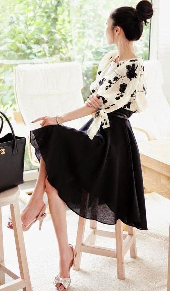 Black Flowers Embroidery 2-in-1 Lantern Sleeve Dress - Midi Dresses - Dresses