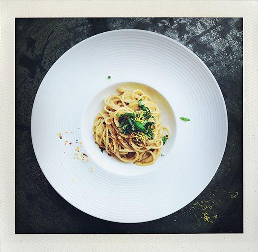 Pasta with lemon, basil, garlic, almond and... vodka! (I huvudet på Elvaelva)