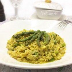 Risotto integrale agli asparagi e zafferano