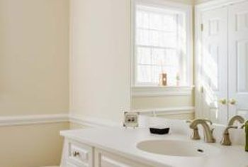 How to Pick the Right Bathroom Mirror