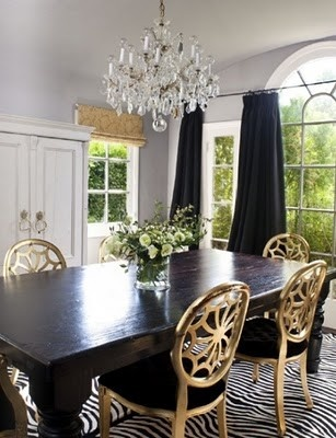 love this look and gold chairs.  hmmmmm good idea