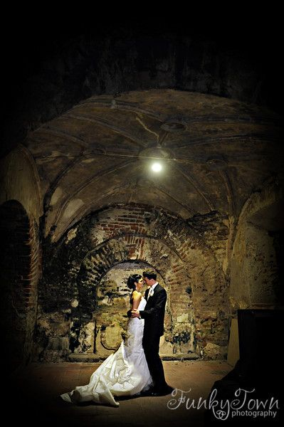 wedding photography antigua guatemala Convent Las Capuchinas, the Santa Cruz Cathedral Santa Cruz Santo Domingo photos