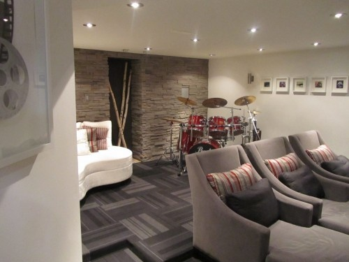 More Modern Take On A Theatre Room