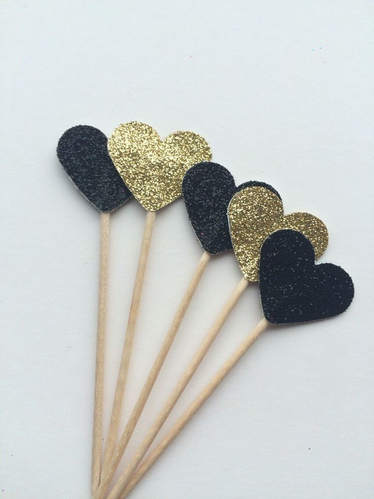 Black and Gold Glitter cupcake toppers, ideal for deco weddings, anniversaries, hen, batcherlorette, birthday partys by EclecticNessy on Etsy https://www.etsy.com/listing/252167186/black-and-gold-glitter-cupcake-toppers