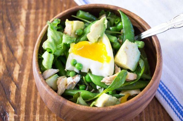 Salad with mackerel