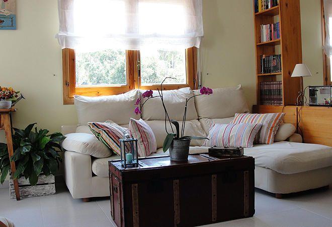 La #casa de Anna Rovira Hola. Os envío unas fotos de mi casa en Caldas de Malavella (Gerona). Espero que os guste. Un saludo.¡Gracias!
