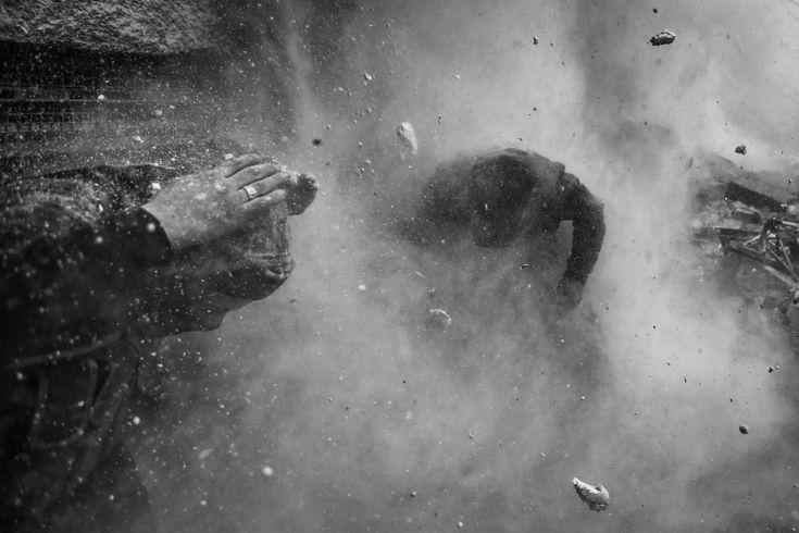 El fotógrafo serbio de la agencia Reuters Goran Tomasevic ha ganado con su serie sobre un ataque rebelde en Damasco el primer premio en la categoría de de relatos de Actualidad. Premios World Press Photo 2014