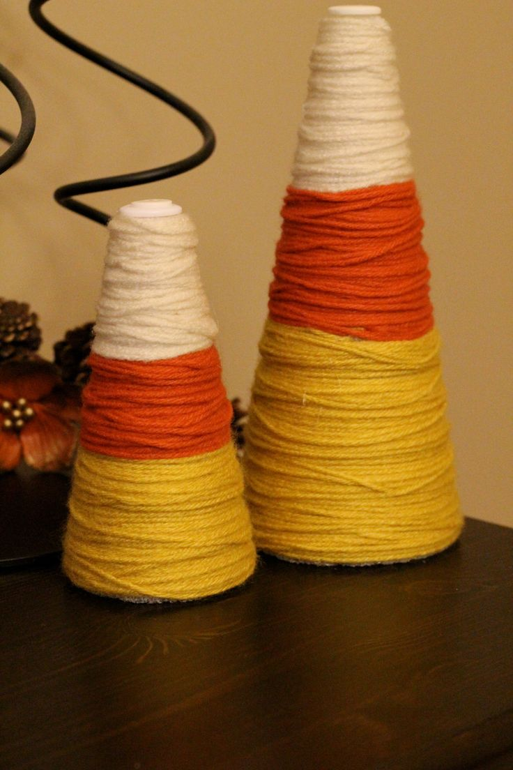 Cute candy corn treesCorn Trees, Fall Crafts, Candy Corn, Candies Corn, Yarns Candies, Fall Halloween, Candycorn, Christmas Trees, Corn Decor