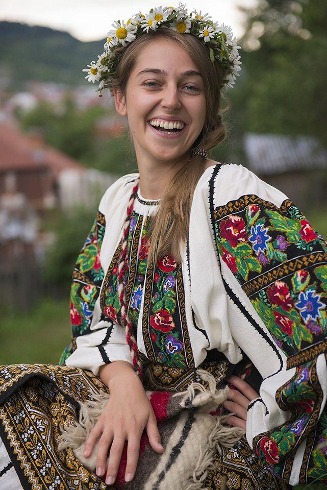 SanzieneLaCorbi,Pure Romania, Sanziene, Traditional, Traditii, IA, LA Blouse…