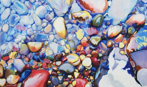 L'artiste Ester Roi, basée en Californie, réalise un tableau impressionnant, bardé de couleurs et d'un aspect très réaliste. Ce lit de rivière avec ses cai