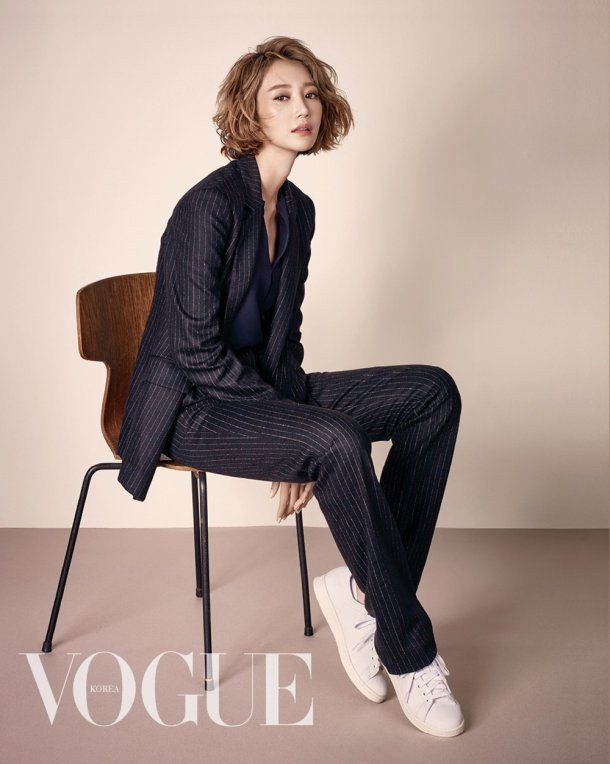 Go Jun Hee pulls off coats and shows off her amazing figure for 'Vogue'