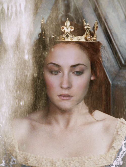 My Sansa love is so intense. I would really love ONE person to explain to me why people hate her so much when she's obviously perfect and has never done anything wrong.
