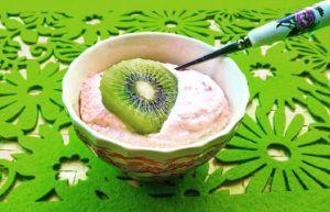 Przedstawiam zdrowszą alternatywę dla jogurtów owocowych. Pyszny, kremowy smak jogurtu, bez cukru, za to z dużą dawką zdrowych tłuszczy oraz witamin z grupy B: