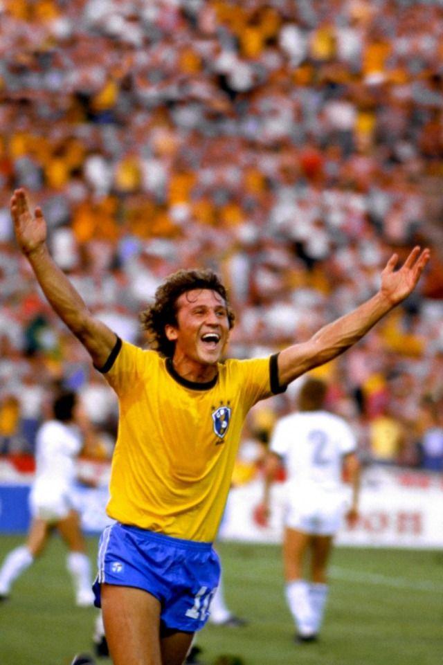 Zico - Ponta- de- lança. Um dos mais implacáveis artilheiros que o futebol brasileiro já teve. Dribles curtos, perfeita proteção da bola em velocidade, genial cobrador de faltas perto da área. Com a camisa do Flamengo fez 508 gols e fez 94 partidas pela Seleção, marcando 68 gols. Disputou as Copas de 1978, 1982 e 1986.