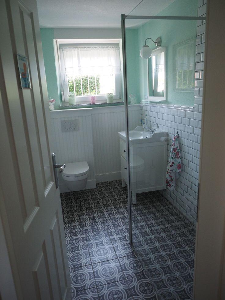Kleine badkamer in Duitsland die mooi is ingedeeld