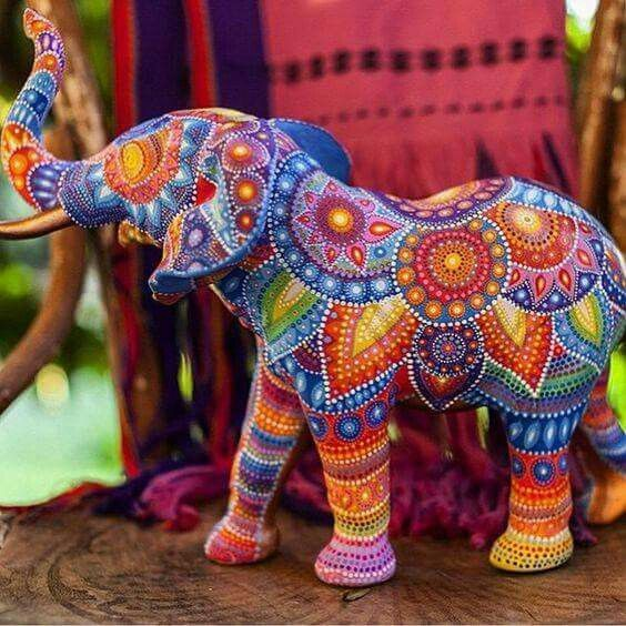 Gorgeous hand painted elephant. Lots of talent and patience needed for this…