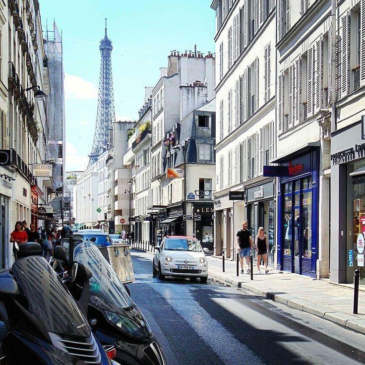 La Tour Eiffel vue de la rue Saint Dominique. Jezeli wybieracie sie do naszej ambasady w Paryzu rue Talleyrand w poblizu z ul Saint Dominique macie fajny widok na Wieze Eiffla taka fotogeniczna...#seemyparis #igerparis #igersfrance #hello_france #topparisphoto #travelphotography #traveldeeper #travelpics #beautifuldestinations #bestvacations #romantic #parisjetaime #parismaville #parismonamour #parislife #parislove #parigi #eiffeltower #streetfashion #streetphotography #streetphoto…