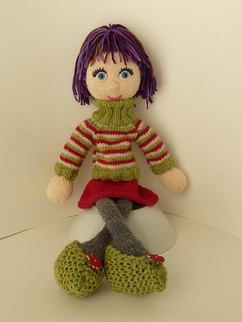 Ravelry: Project Gallery for patterns from Strikkedukker