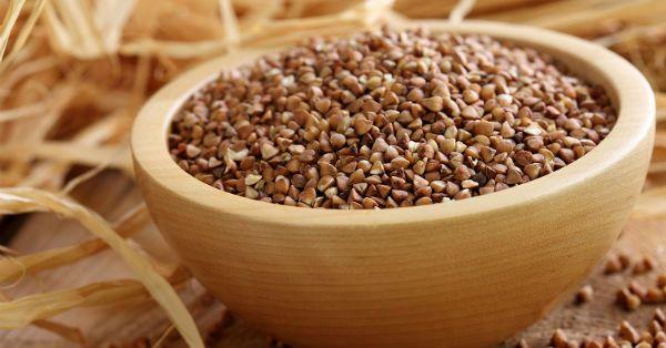 Неоспоримыми преимуществами гречневой диеты являются ее эффективность, простота приготовления основного блюда и умеренная стоимость его ингредиентов. О пользе гречки Гречка практически не содержит углеводов, зато богата аминокислотами и белками, калием, магнием, железом, кальцием, медью, цинком, никелем и фосфором, витаминами группы B, PP и P. Она не только превосходно чистит кишечник, но и собирает, а [...]