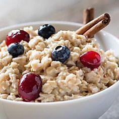 Schlank werden ohne Sport oder Diät? Möglich! InStyle verrät die besten Alltags-Tipps zum Abnehmen für Faule. Jetzt entdecken!