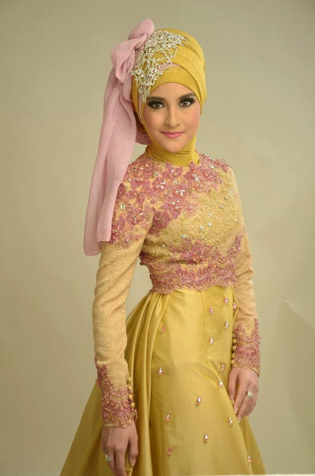 This kebaya looks very pretty