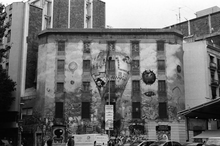 Street Art in Barcelona, shot on Ilford FP4 with a Nikon F80.