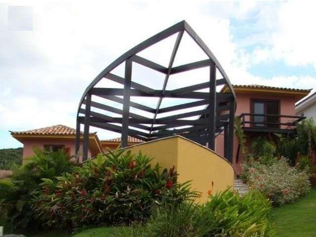 Casa com projeto diferenciado a 50 metros da Praia da Ferradura