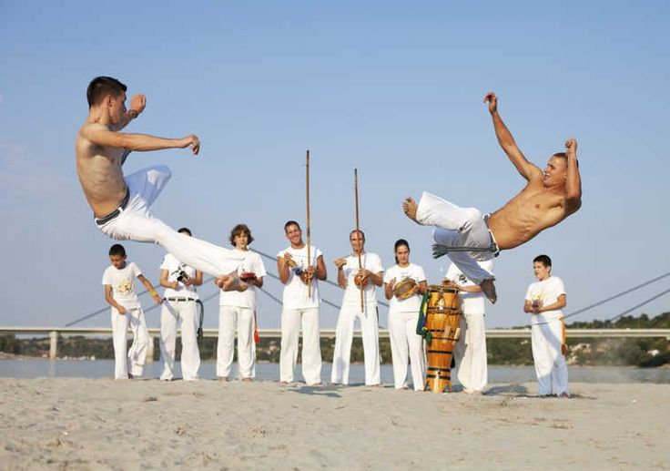 Capoeira vs Muay Thai: which style is more effective in a ...