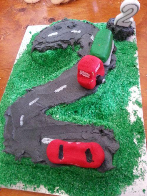 Car themed birthday cake