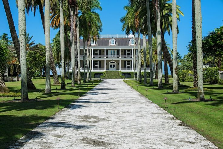 Historic Estate In The Heart Of Olde Naples Luxury Real Estate Mansions For Sale Luxury Vacation Rentals
