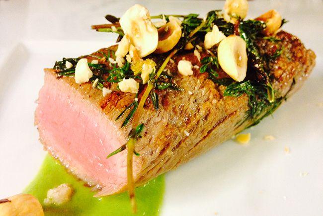 Filetto di maiale con broccolo romano e nocciole   Simone Rugiati