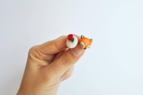 Stud earrings The Little Prince sul nostro Etsy shop https://www.etsy.com/it/listing/524988863/orecchini-il-piccolo-principe-con-volpe