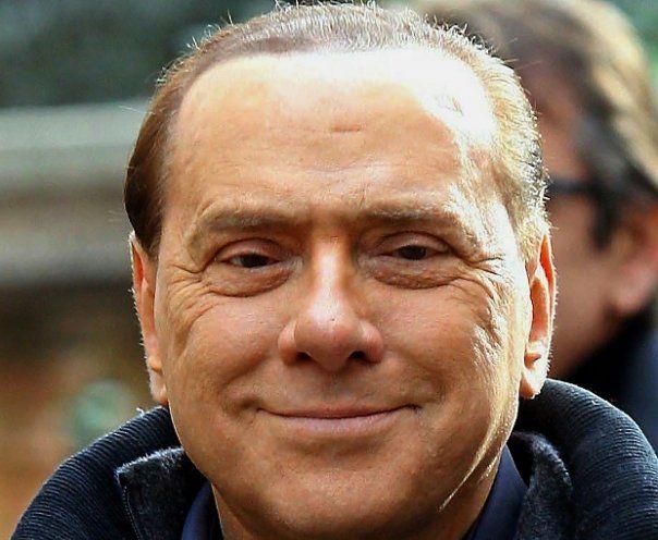"""Dopo la 'degenza'. Le dichiarazioni di Spatuzza gettavano nuove ombre sulla nascita di Forza Italia e sui rapporti di Dell'Utri con Cosa Nostra. La cosiddetta norma del ''processo breve'' suscitava aspre reazioni politiche. Il 5 dicembre vi era stata a Roma la manifestazione dell'anno, il """"No Berlusconi day"""" che aveva inondato la capitale con un milione di persone che chiedevano le dimissioni del Capo dell'esecutivo."""