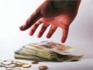 No final de cada mês, as pessoas ficam tentando esticar o dinheiro fazendo ajustes para tentar cobrir todas as despesas. Quem não faz um planejamento financeiro certamente fica sem o dinheiro já no primeiro dia do pagamento do salário.
