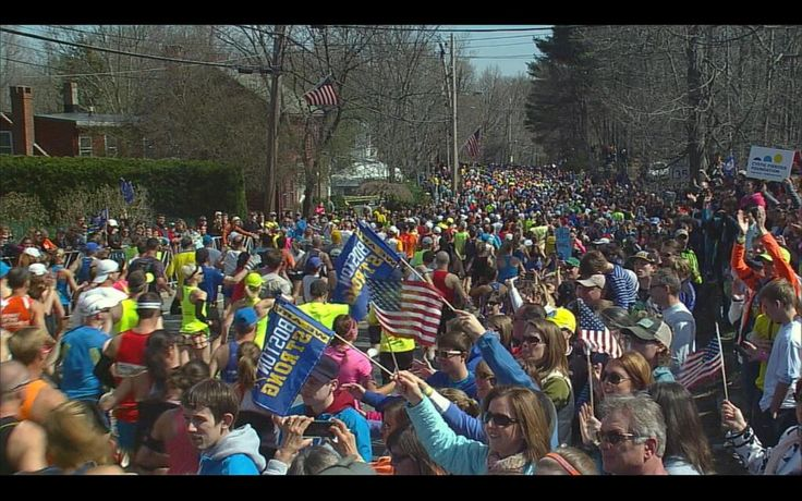 """Twitter / """"PetesWire: PHOTO: another shot of the waves of runners headed to #BostonMarathon finish line. #BostonStrong #wbz"""" 4/21/14"""