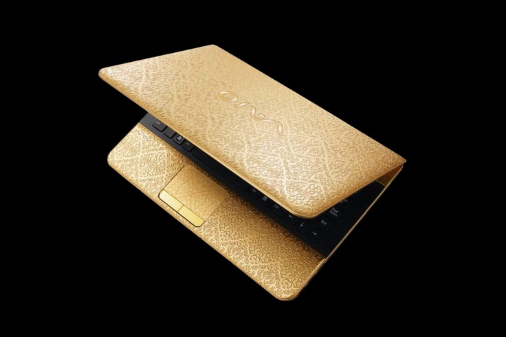 MJ Gold Laptop Sony Vaio 777 GTR5 Private Edition. Unique gold laptop. Is issued in white, pink, red and classically yellow gold. The Diamond Edition series are inlaid with decorative elements from jewels. Unique gift boxes. Exclusive complete sets with a golden mouse and a flash card are possible. http://exclusive-mj.com/en
