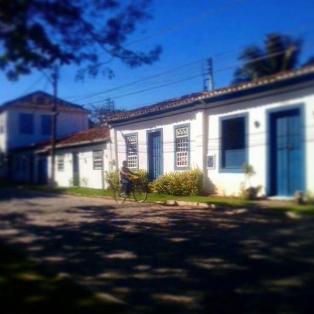 Mas que bairrozinho mais lindo esse... #barradesaojao #casimirodeabreu #beirario #colonial #amor #vida #quero #goodvibes #emcasa #brasil #brazil #casacolonial #poesia